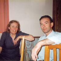 Con Manuela Sevilla (2002)
