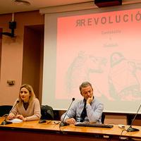 Con Carmen Molina Cantabella y Vicente Cervera Salinas en la presentación de Revolucion. Universidad de Murcia (2014)